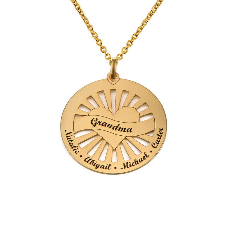 Grandma Circle Pendant Necklace with Engraving in 18K Gold Vermeil - 1