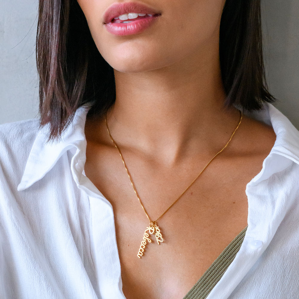Vertical Name Necklace in Cursive in Gold Vermeil - 2