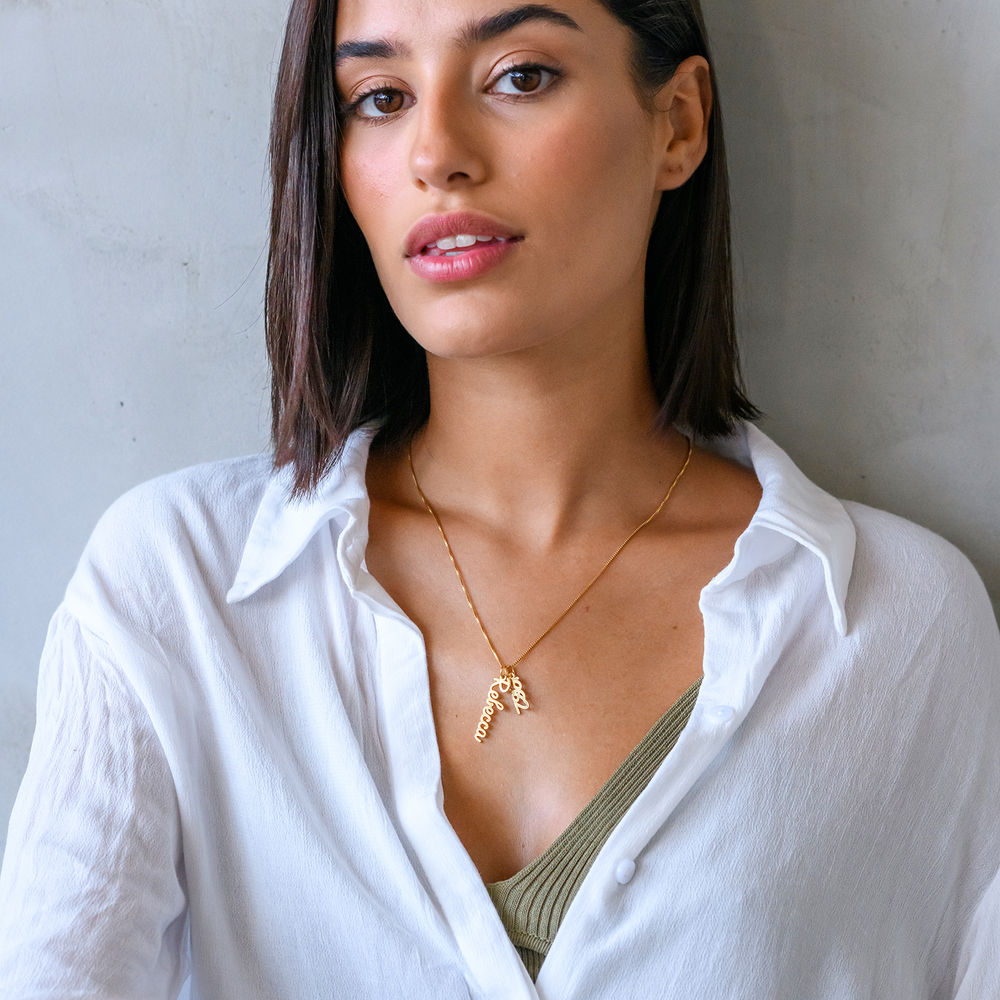 Vertical Name Necklace in Cursive in Gold Vermeil - 3