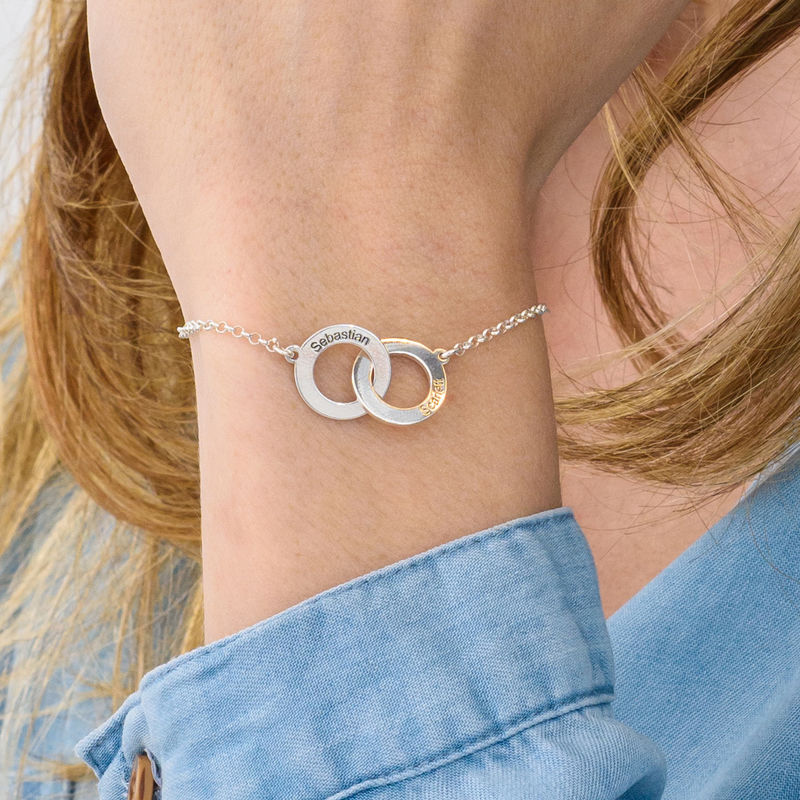 Interlocking Circles Bracelet with Engraving in Sterling Silver - 2