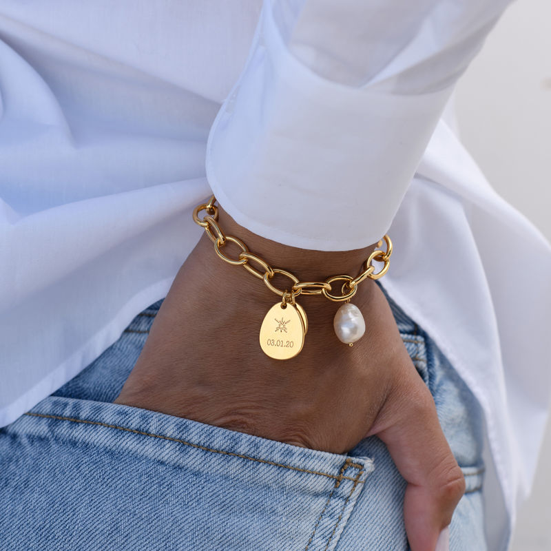 Personalized Round Chain Link Bracelet with Engraved Charms in 18K Gold Vermeil - 3