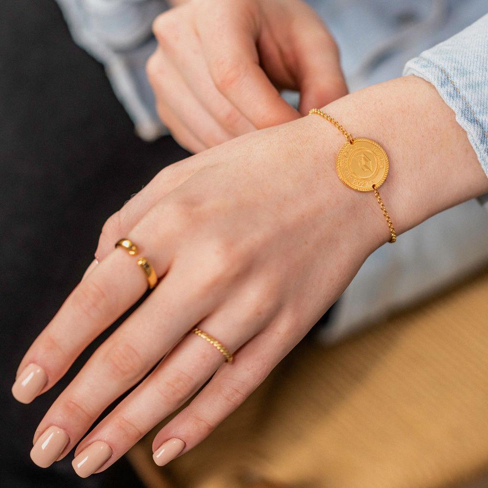 Graduation Cap Personalized Bracelet in Gold Vermeil - 1