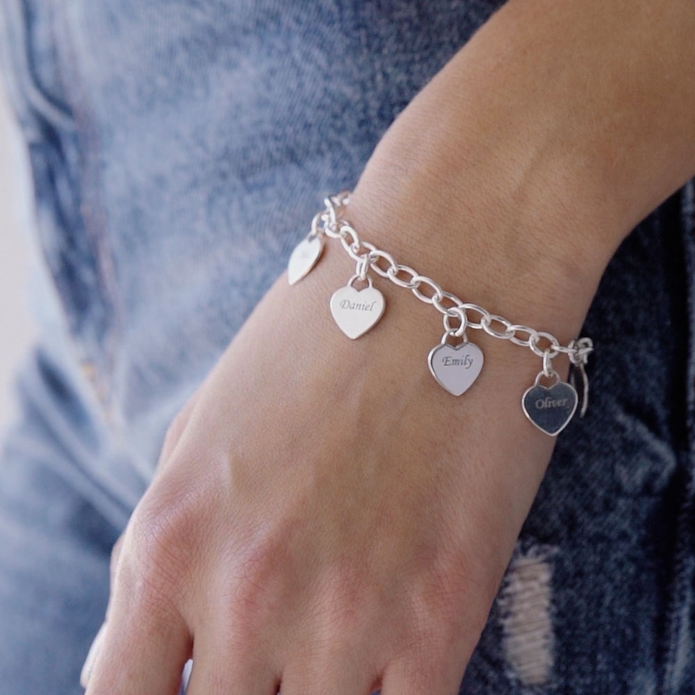 Link Bracelet with Heart Charms in Sterling Silver - 1