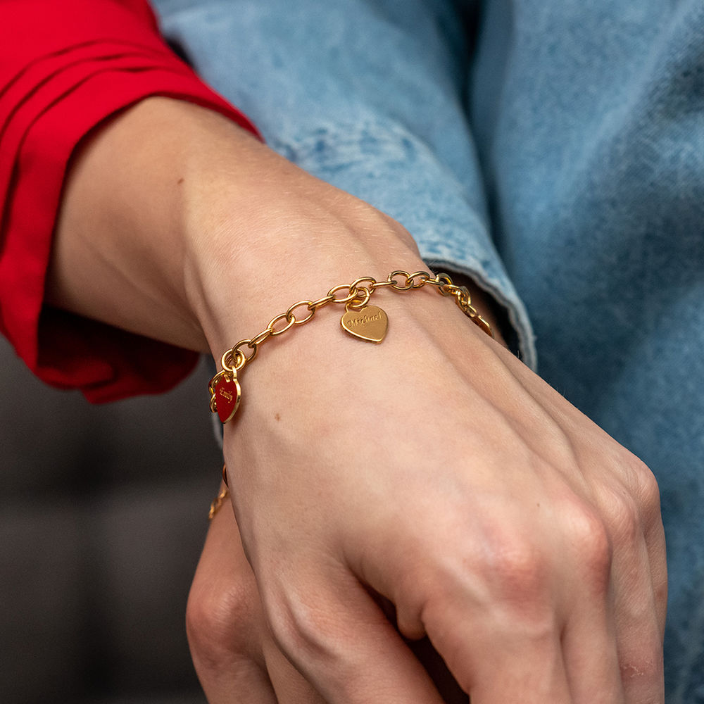Link Bracelet with Heart Charms in 18k Gold Plating - 1