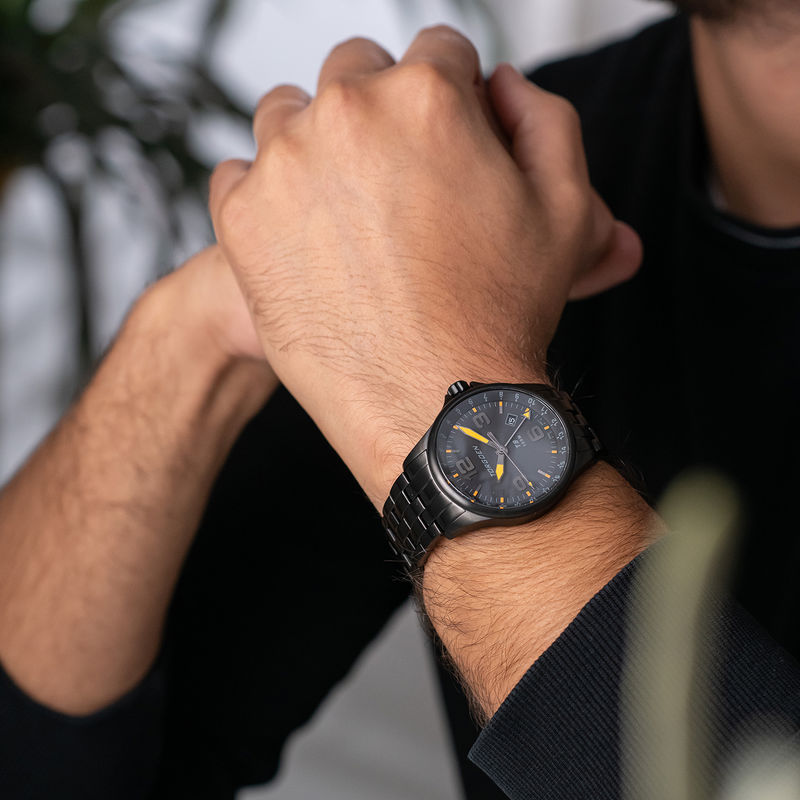 Torgoen Men's Watch T9 BLACKBIRD METAL GMT - 1
