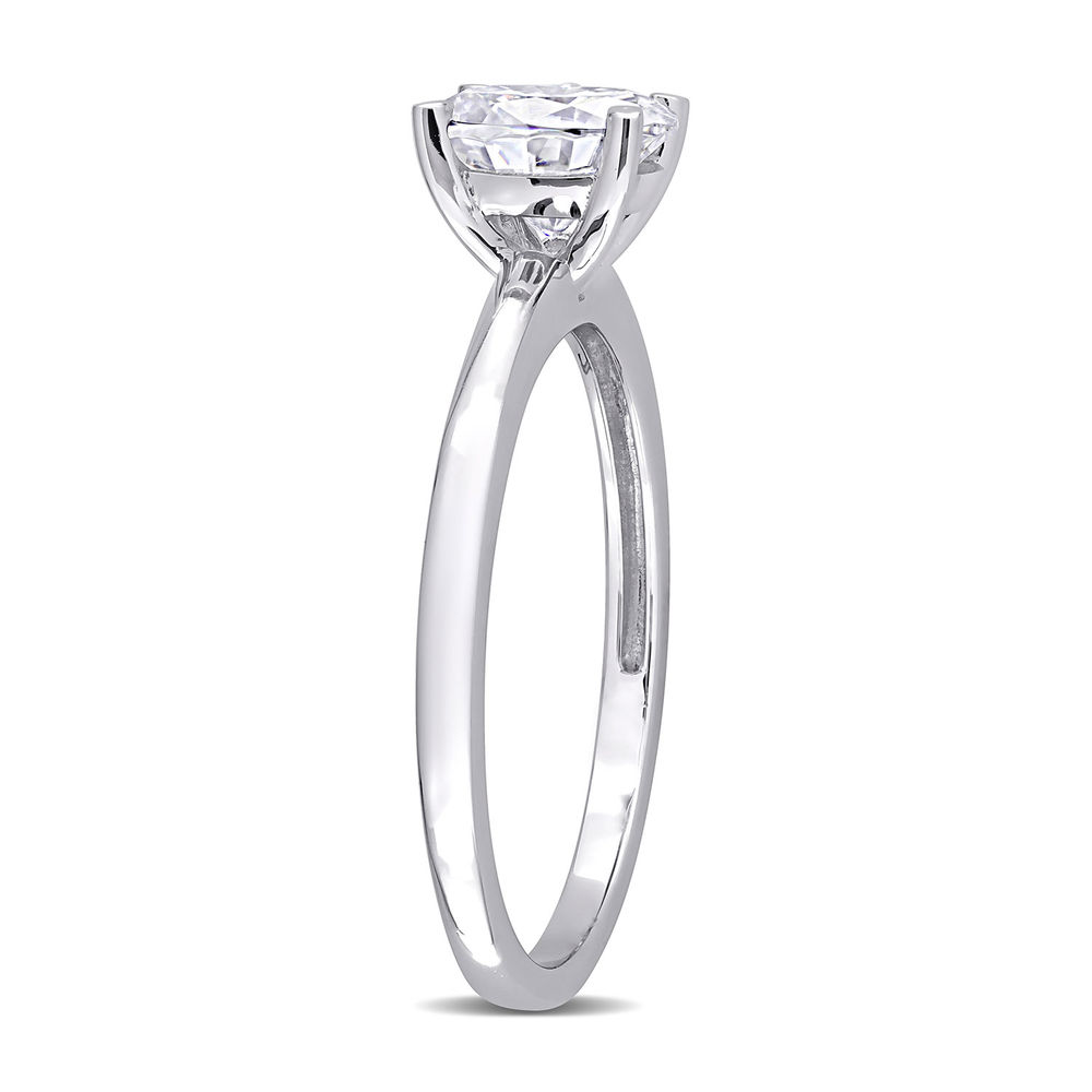 1 C.T T.G.W. Moissanite Oval-cut Ring in Sterling Silver - 1