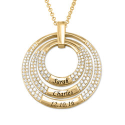 Engraved Circle Necklace for Mom in Gold Plating product photo