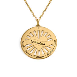 Grandma Circle Pendant Necklace with Engraving in 18K Gold Plating product photo