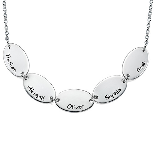 Mother Necklace with Kids Names - Oval Shaped in Sterling Silver - 1