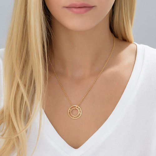 Roman Numeral Circle necklace in Gold Plating - 1