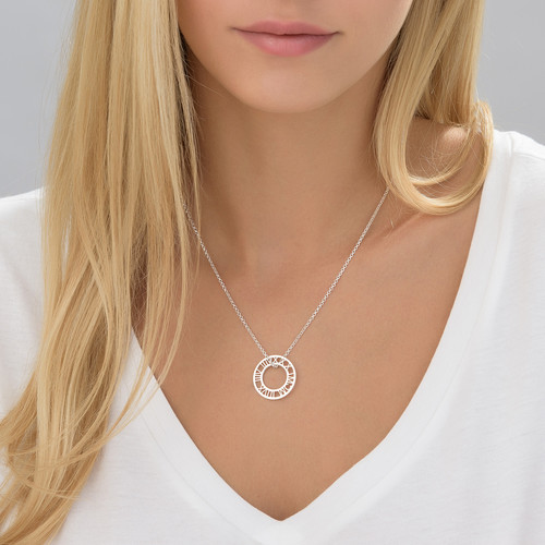 Roman Numeral Circle necklace in Silver - 1