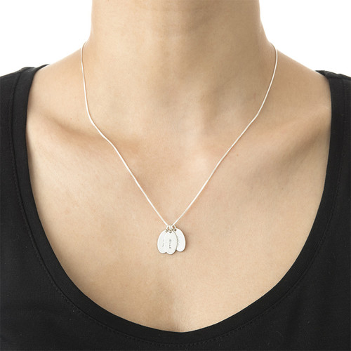 Tiny Oval Necklace in Brushed Silver - 2