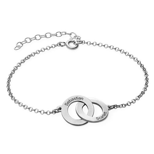 Interlocking Circles Bracelet with Engraving in Sterling Silver