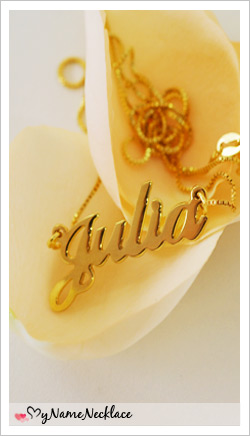 Small Name Necklace in 18k Gold-Plated Silver