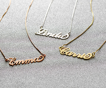 The Iconic Carrie Name Necklace