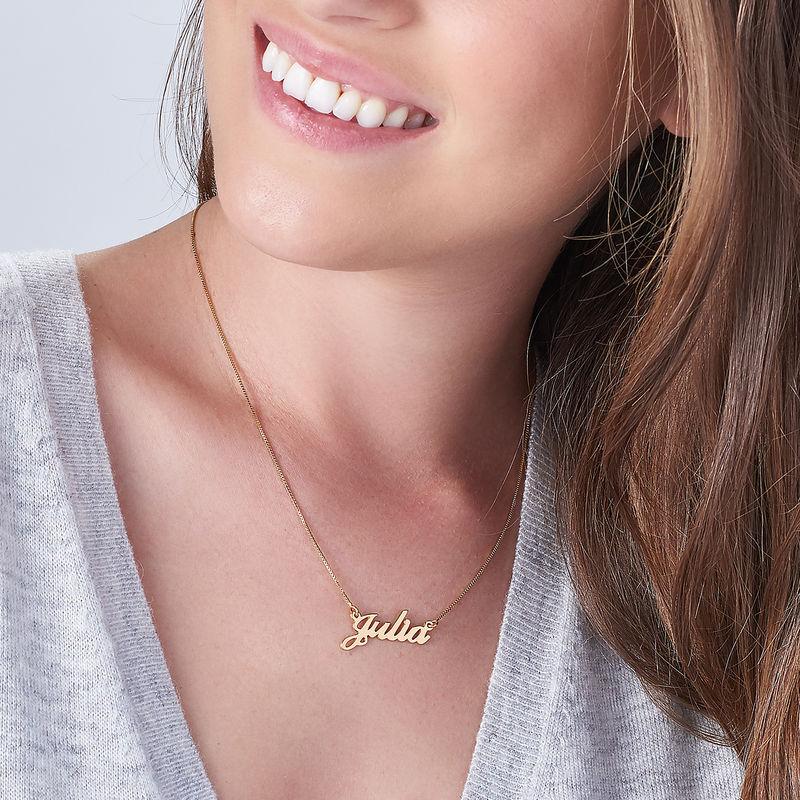 Collana con nome personalizzato carattere classico con perla piccolo in oro 14k - 2