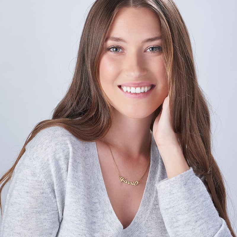 Piccola Collana con Nome Personalizzato Stile Carrie in Vermeil d'Oro - 1