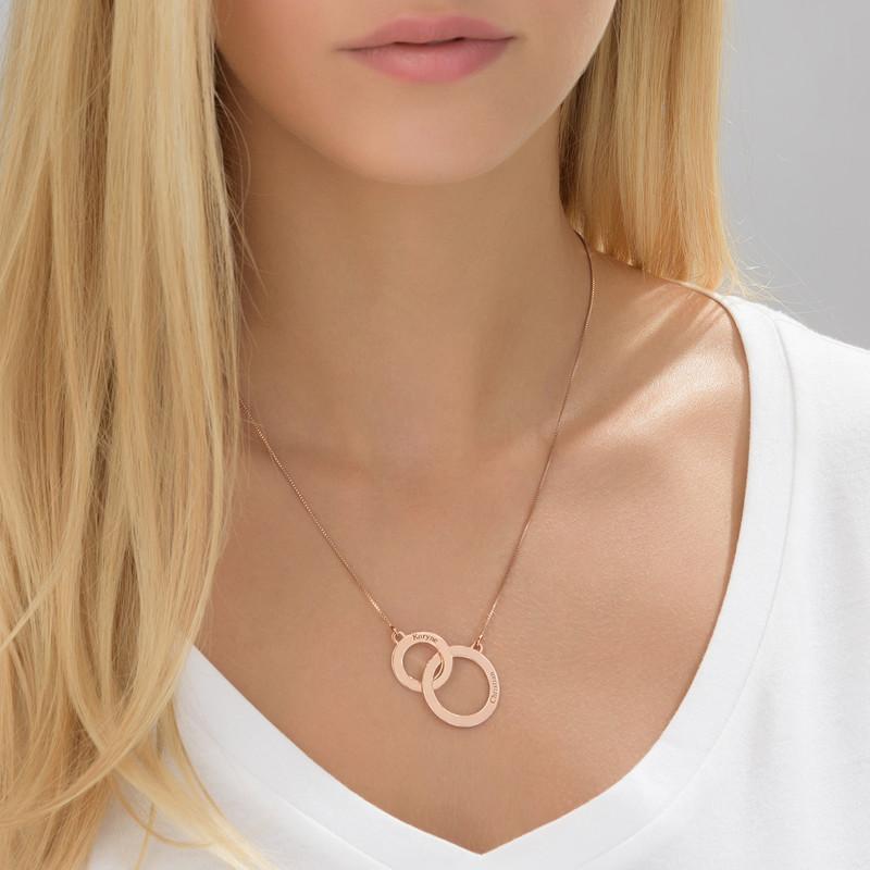 Collana con Cerchi Eternity ed Incisioni Placcato in Oro Rosa - 1