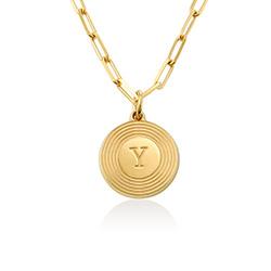 Collar inicial Odeion en chapado de oro de 18k foto de producto