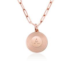Collar inicial Odeion en chapa de oro rosa de 18k foto de producto