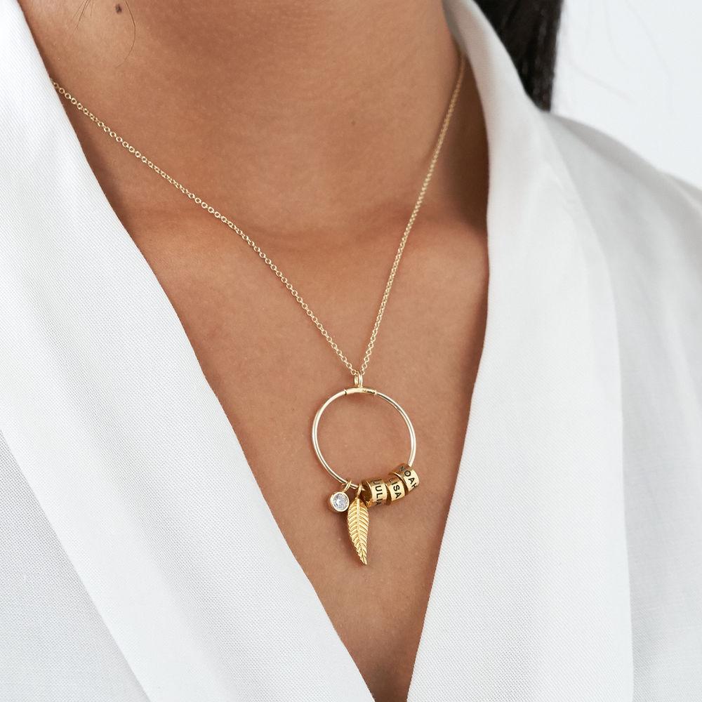Gegraveerde Cirkel Hanger Linda ™ Ketting met blad en persoonlijke kralen met Diamant  in 10k Goud - 2