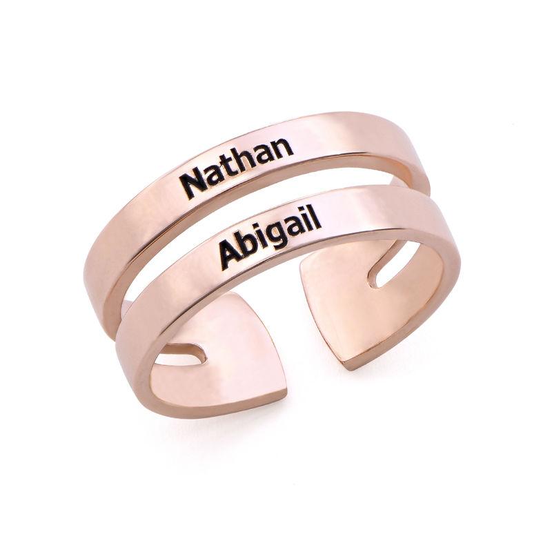 Twee roségoud vergulde naam ringen