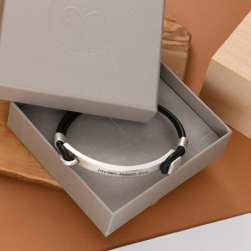 Personlig tilpasset gummi armbånd med gravert plate i sølv - 4