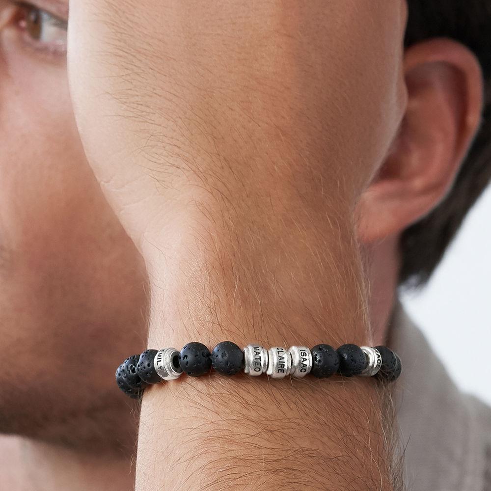 Armbånd til menn med lavasteiner og tilpassede charms - 2