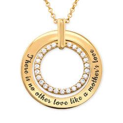 Gravert smykke med sirkel i gullbelegg produktbilde