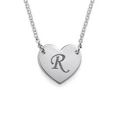 Hjertesmykke med bokstav gravering i sølv produktbilde