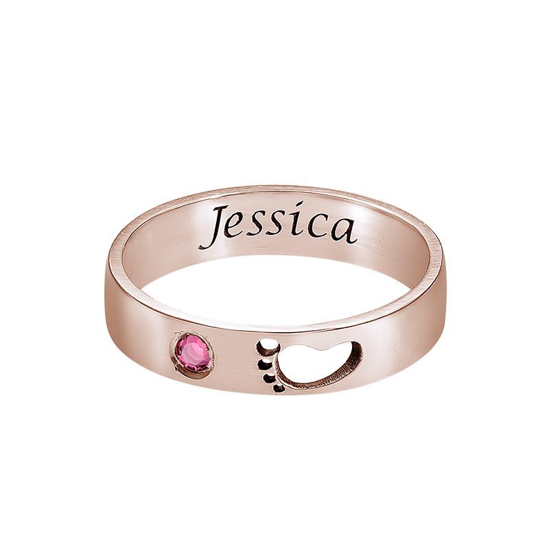 Graverad Mamma Ring med babyfötter i Rosé Guld Plätering - 1