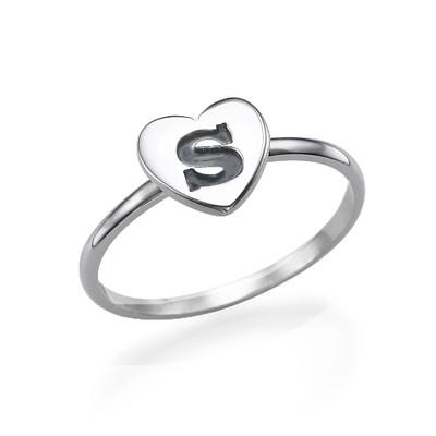 Stapelbar ring med bokstav och hjärta i Silver
