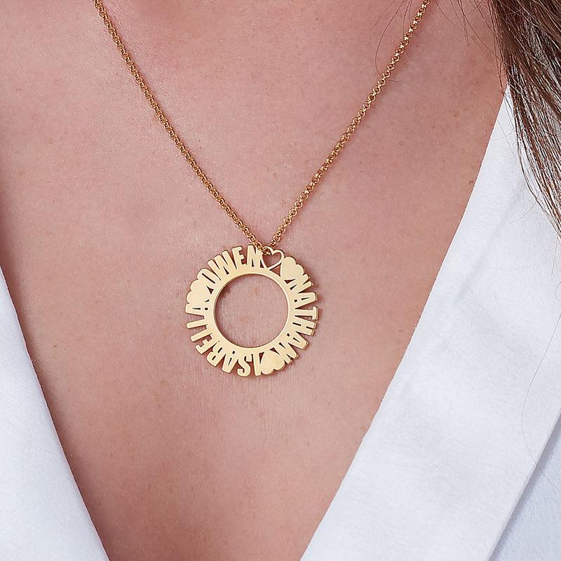 Cirkelhalsband med namn i guldplätering - 2