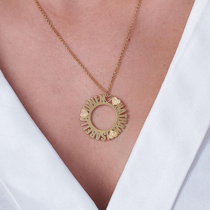 Cirkelhalsband med namn i guldplätering med diamanteffekt - 2