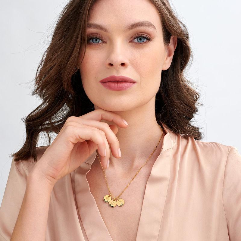 Personlig Cirkel Halsband med bebishand i Guldpläterat - 2