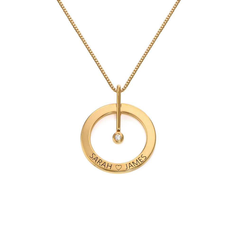 Personligt Cirkelhalsband med  Diamant i 18K Guldplätering