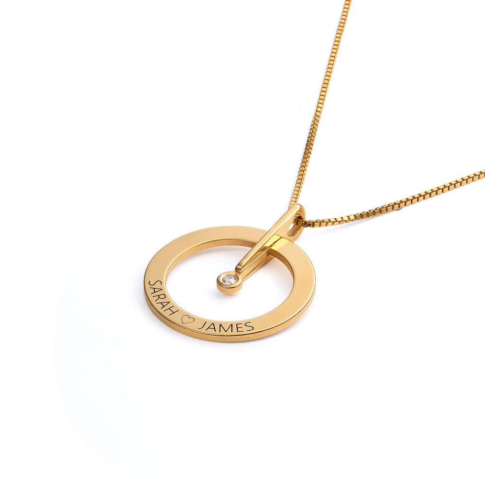 Personligt Cirkelhalsband med  Diamant i 18K Guldplätering - 1