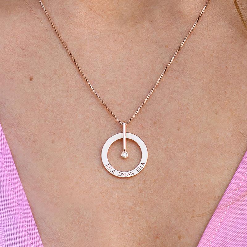 Personligt Cirkelhalsband med  Diamant i 18K Roséguldplätering - 3