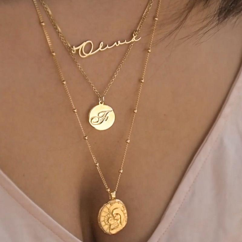 Halsband med Bokstav på Berlock med Kursiv Stil - Guldpläterat - 3
