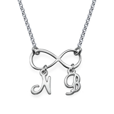 Infinityhalsband med Initialer i Silver