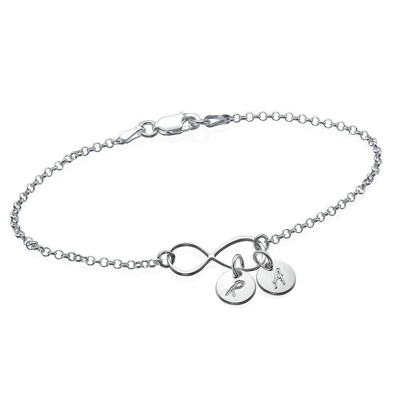 Infinity Armband med Bokstavsberlocker i Silver
