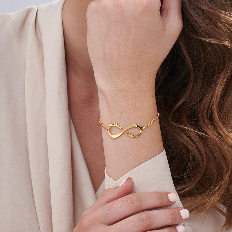 Personligt Infinity Armband med Namn och Diamanter i Guldplätering - 2