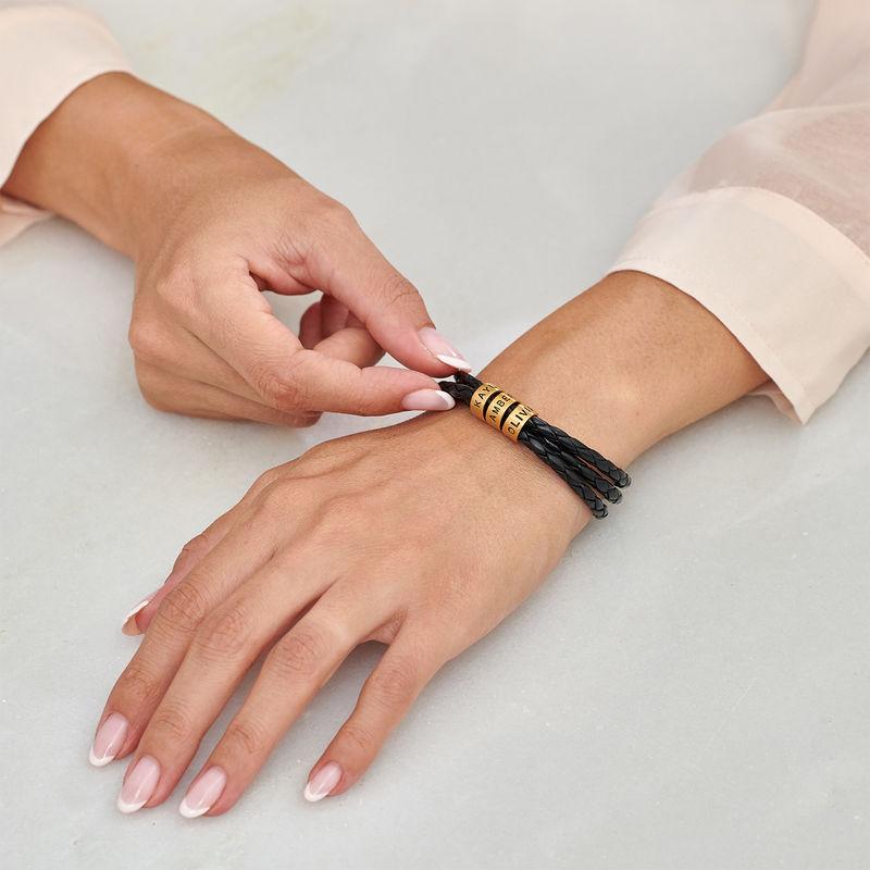 Armband i flätat läder för Kvinnor med Små Runda Namnberlocker i Guld Vermeil - 2