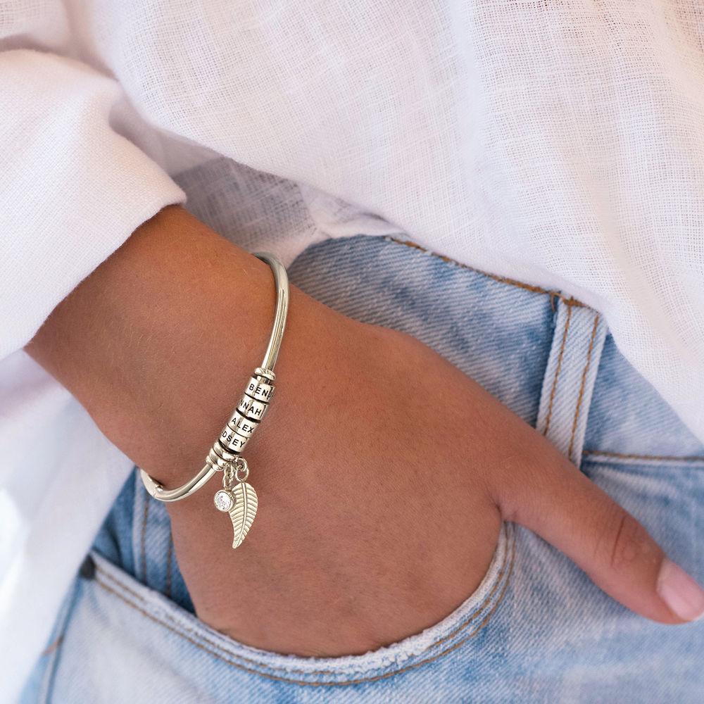 Linda Bangle Armband med Graverade Berlocker och 1/10 CT. T.W Labbodlad Diamant i Sterling Silver - 4