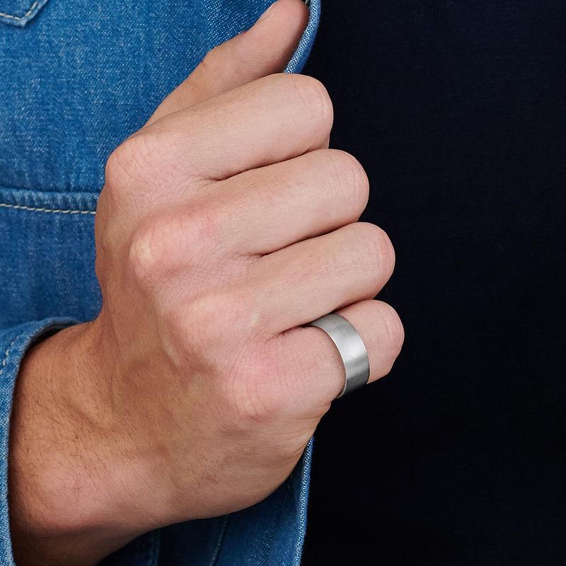 Klassisk Herr Ring med Gravyr i Silver - 3