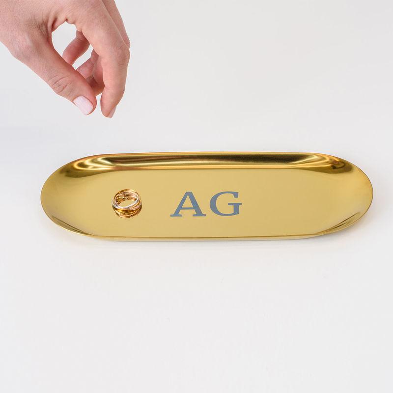 Personlig oval smyckesbricka i guldfärg - 2