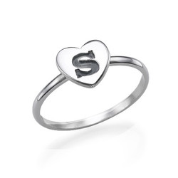 Stapelbar ring med bokstav och hjärta i Silver produktbilder
