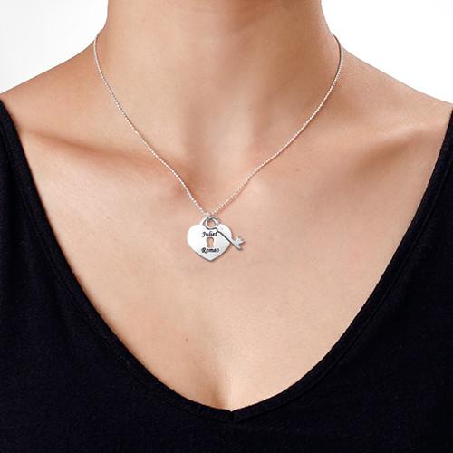 Personligt halsband med hjärta och nyckel - 1