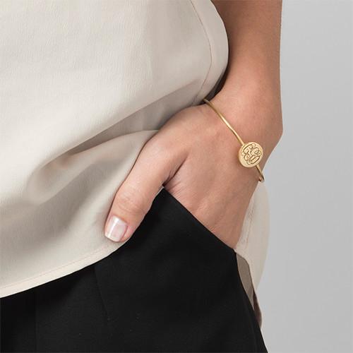 Stelt armband med Monogram gravering i 18k guldplätering - 2