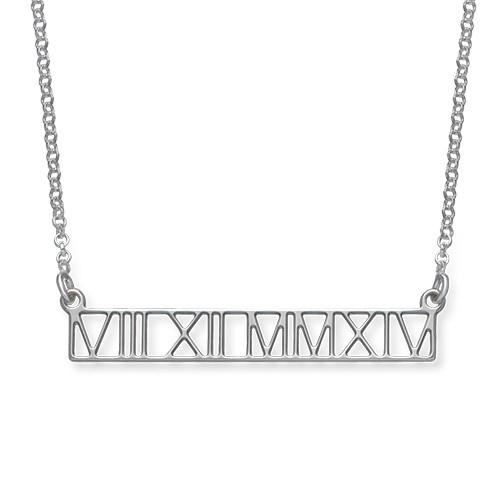 Utskärt Brickhalsband med Romerska Siffror i Silver